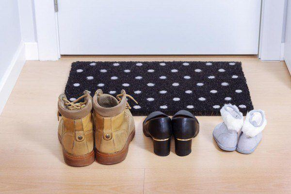 Schuhe-stinken-und-riechen_Schuhgeruch-entfernen