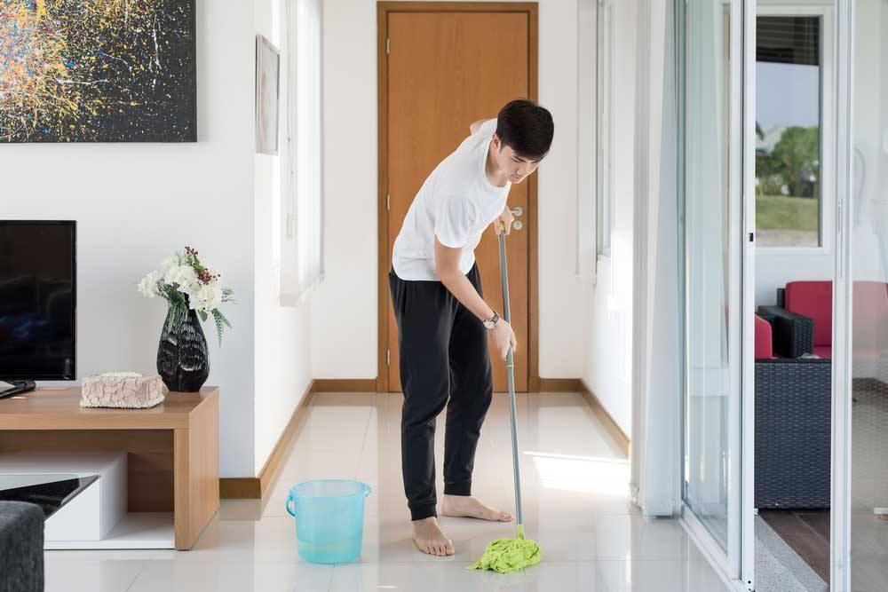 Unterhaltsreinigung bei Marmor, Steinfliesen und Keramikfliesen mit tensidfreien Reinigungsmitteln